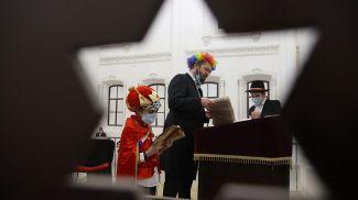 Иудеи празднуют Пурим в Гродненской хоральной синагоге