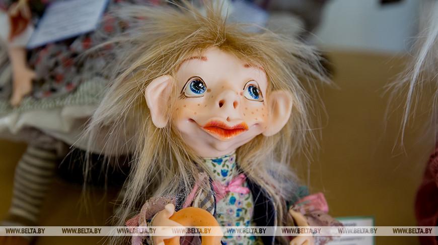 Выставка авторских кукол и мишек Тедди открывается в Гомеле