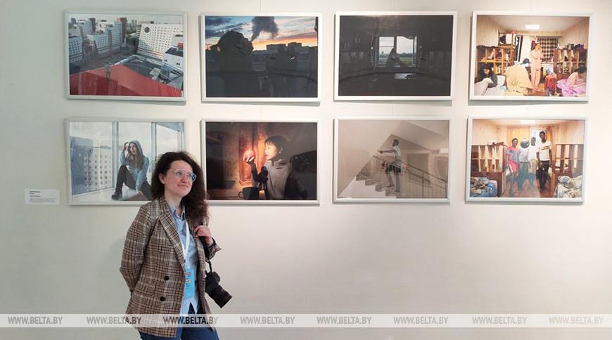 """Оксана Манчук на фоне проекта """"Вавилон"""""""