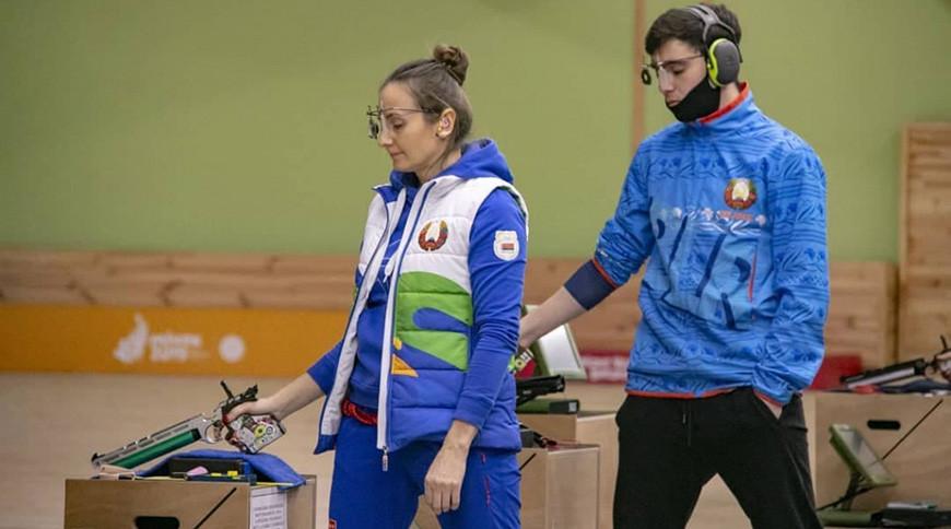 Виктория Чайка (слева). Фото Белорусского стрелкового союза