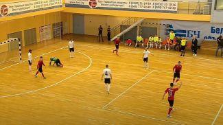 Во время матча. Скриншот из видео Futsal Belarus