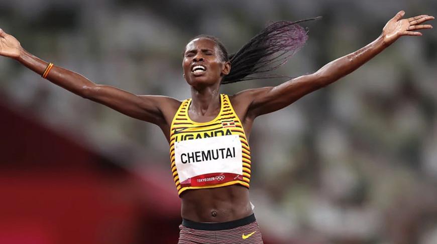 Бегунья из Уганды Перут Чемутай выиграла олимпийское золото в стипль-чезе