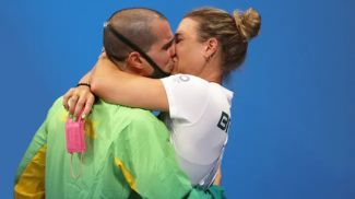 Бруно Фратус с женой. Фото Reuters
