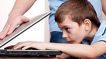 """Как уберечь детей от """"групп смерти"""" в социальных сетях"""