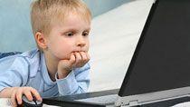 Гаджет вместо игрушек: чем рискуют современные дети