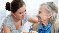 В Беларуси появятся замещающие семьи для стариков и стандарты качества соцобслуживания