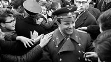 """""""Мы смотрели на Гагарина, как на Бога!"""" - воспоминания о встрече с первым космонавтом"""