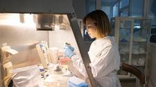 Интервал между компонентами вакцины от COVID-19 можно увеличить, качество иммунного ответа не пострадает - эксперт