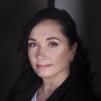 Ирина Иконостасова