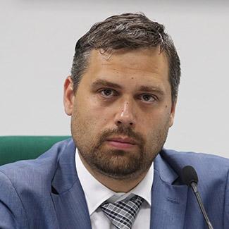 Олег Аврутин