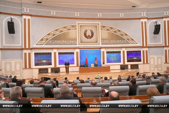 Лукашенко: Беларуси надо во весь голос заявлять о себе на мировой арене