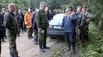 В Беловежской пуще сотни добровольцев участвуют в поиске 10-летнего мальчика
