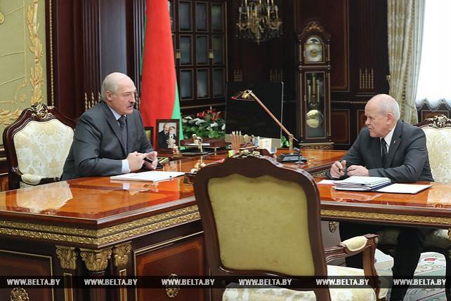 Лукашенко принял с докладом председателя Комитета государственного контроля Леонида Анфимова