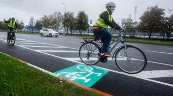 В Бресте открыли экспериментальную велодорожку на проезжей части