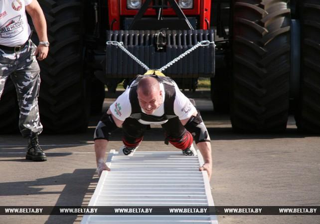 Мировой рекорд по трек-пулу трактора установлен в Минске