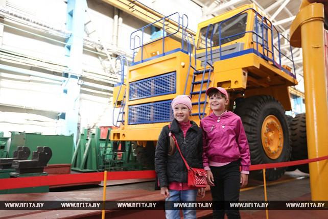 БелАЗ провел день открытых дверей к празднику машиностроителя