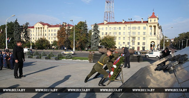 Кадыров возложил венок к Монументу Победы