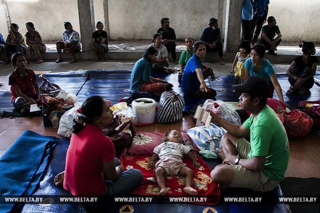 Не менее 96 тыс. человек эвакуированы из-за проснувшегося вулкана на Бали