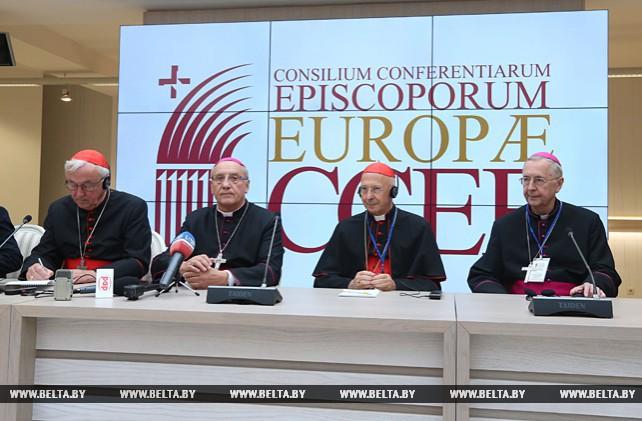 Участники заседания Совета епископских конференций Европы провели пресс-конференцию