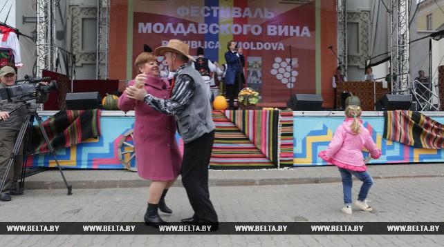Фестиваль молдавского вина завершил Дни национальных культур в Верхнем городе Минска