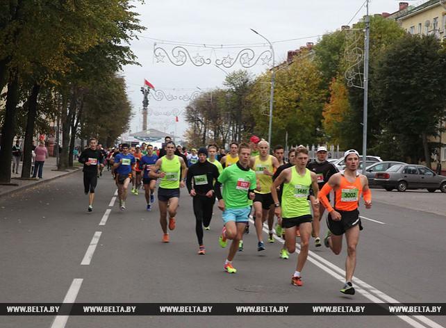 Атлеты из пяти стран приняли участие в легкоатлетическом марафоне в Могилеве