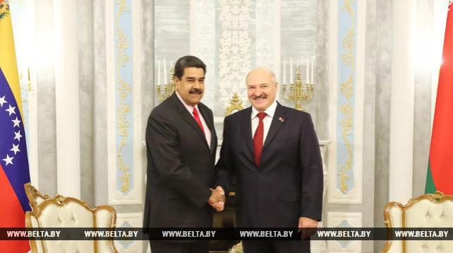 Александр Лукашенко и Николас Мадуро провели переговоры в узком составе