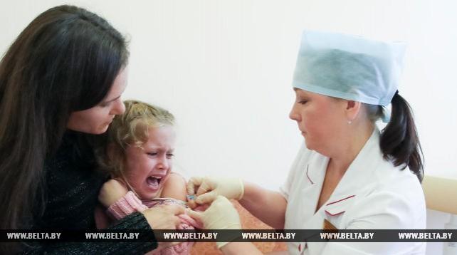 В учреждениях здравоохранения Минска идет вакцинация населения