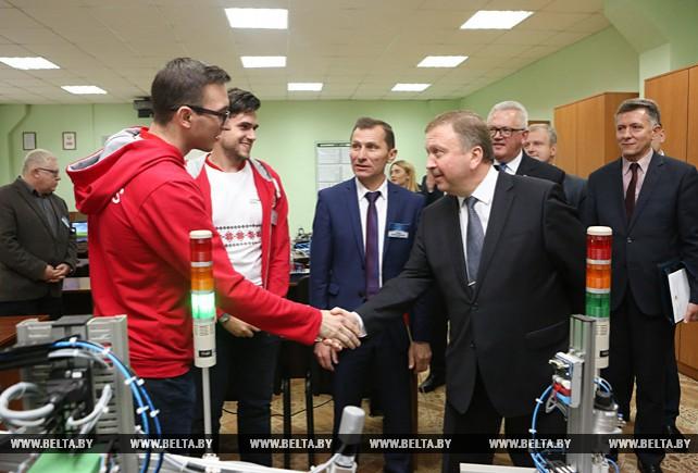"""Кобяков посетил филиал """"Колледж современных технологий в машиностроении и автосервисе"""" Республиканского института профессионального образования"""