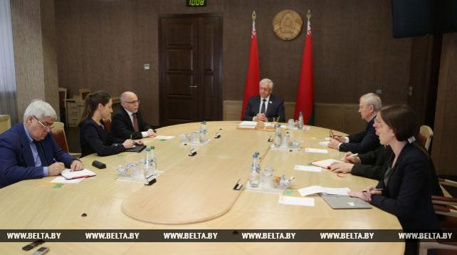Мясникович встретился с послом Кубы