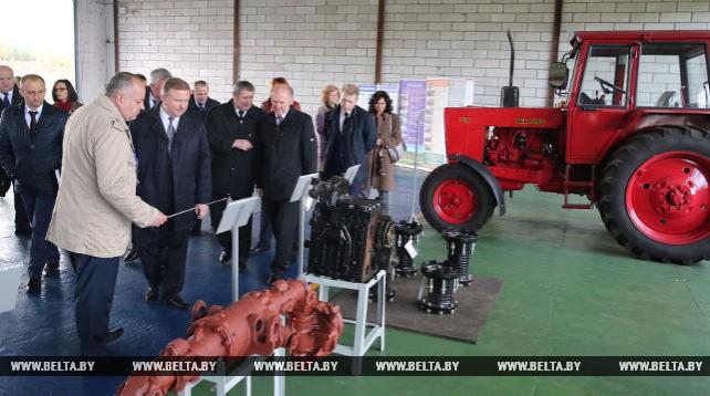 Кобяков посетил Мостовский ремонтный завод