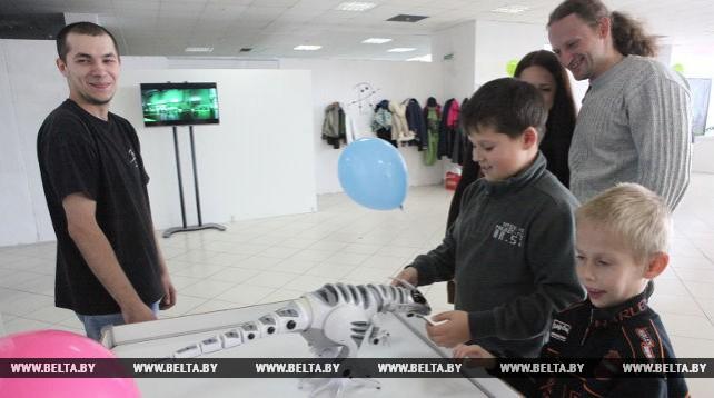 """""""Робопарк"""" в Гомеле представляет уникальную выставку для детей и взрослых"""