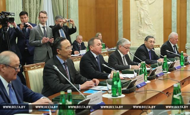 Главы МИД стран СНГ обсудили в Сочи меры по адаптации Содружества к современным реалиям