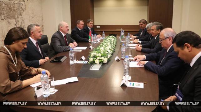 Мирзиеев пригласил Лукашенко посетить с визитом Узбекистан в 2018 году
