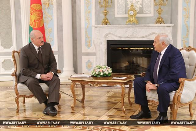 Лукашенко встретился с председателем Милли Меджлиса Азербайджана Октаем Асадовым