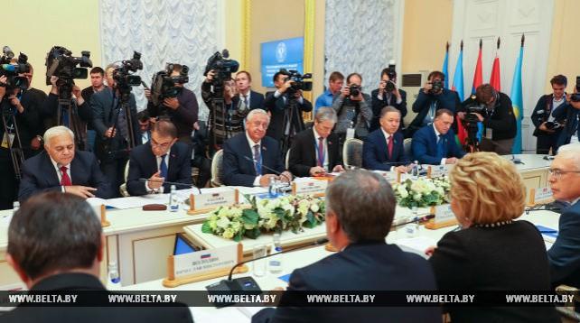 Заседание МПА СНГ проходит в Санкт-Петербурге