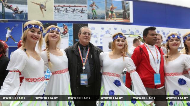 Министр высшего образования Кубы посетил экспозицию Беларуси на Youth Expo