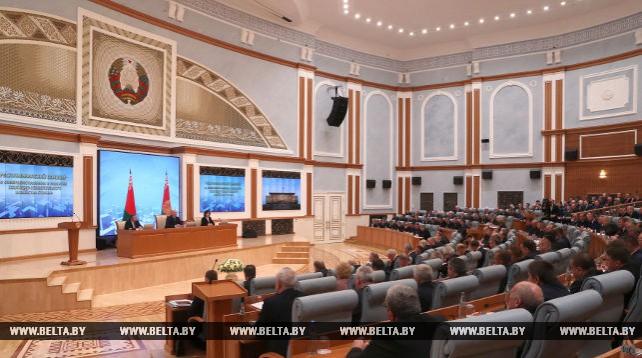 Лукашенко принял участие в республиканском семинаре о совершенствовании и развитии ЖКХ
