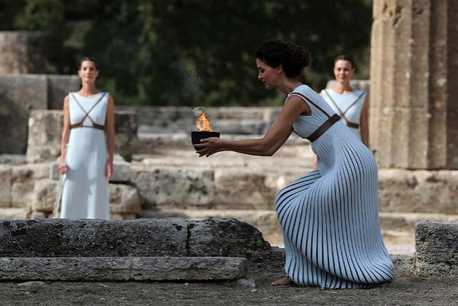 Огонь зимних Олимпийских игр-2018 зажжен в Древней Олимпии