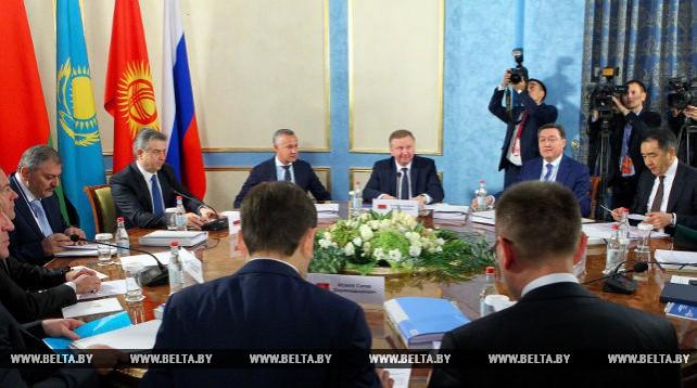 Главы правительств ЕАЭС провели заседание Евразийского межправсовета в узком составе