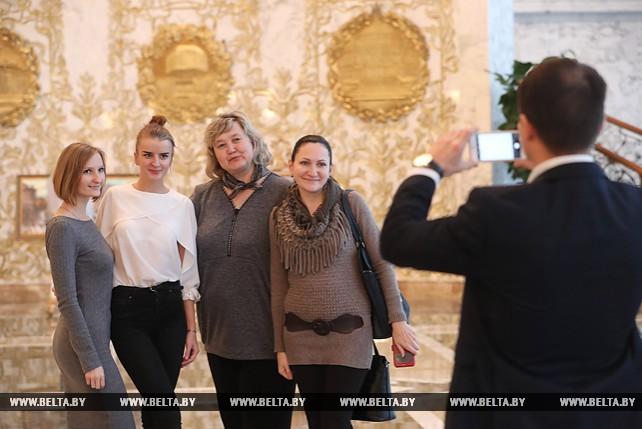 Студенты и преподаватели БГУФК посетили с экскурсией Дворец Независимости
