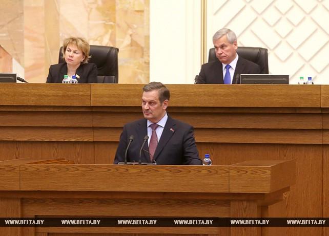 Анатолий Калинин выступил на совместном заседании двух палат белорусского парламента