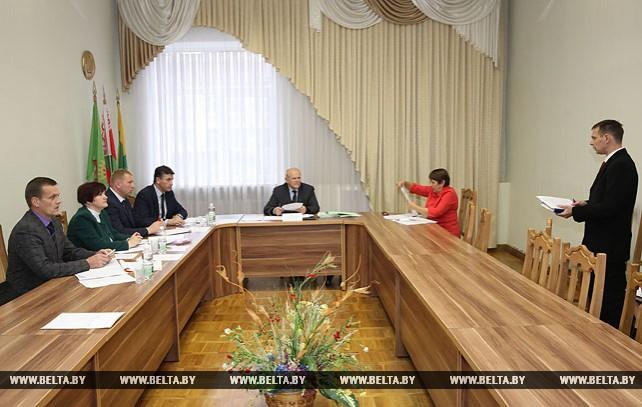 Анфимов провел прием граждан в Сенно
