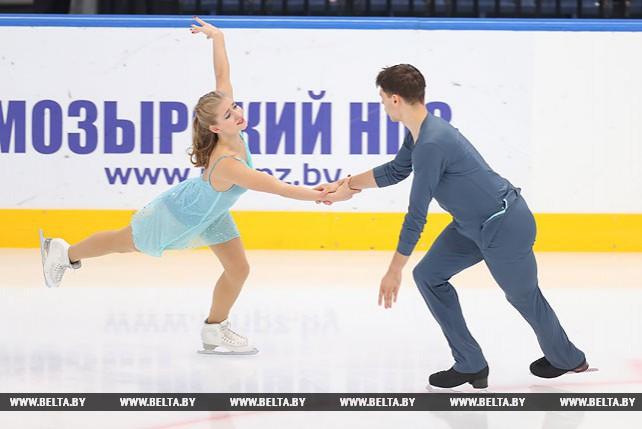 """Фигуристы из 22 стран сражаются в двух рейтинговых турнирах на """"Минск-Арене"""""""