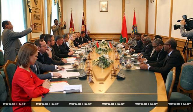 Анатолий Исаченко встретился с делегацией из Судана