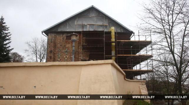 В Гродно завершается капитальный ремонт деревянной стены Коложской церкви