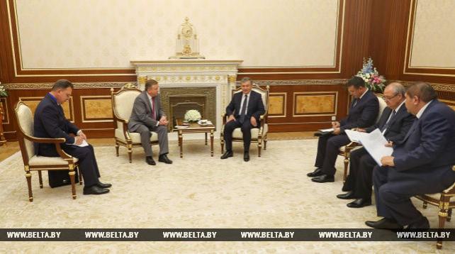 Кобяков и Мирзиеев обсудили расширение торгово-экономического сотрудничества Беларуси и Узбекистана