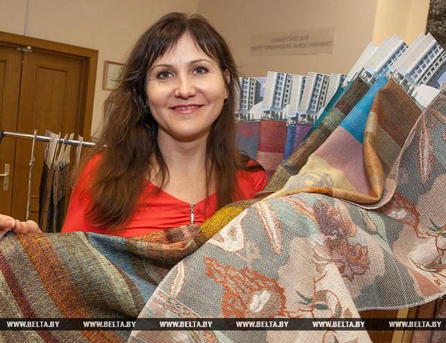 Наталья Акиндинова разрабатывает новые ткани для Оршанского льнокомбината