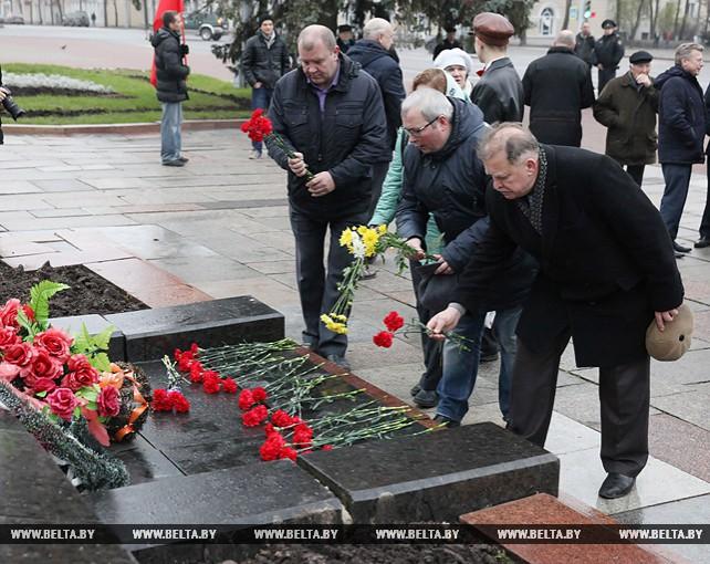Митинг, посвященный 100-летию Октябрьской революции, прошел в Витебске