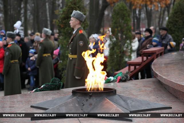 100-летие Октябрьской революции отметили в Гомеле