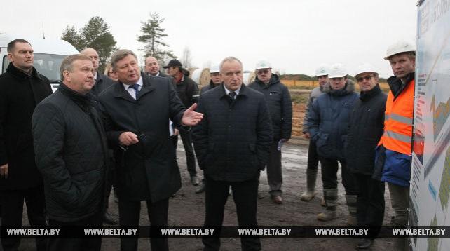 Кобяков ознакомился со строительством промышленно-логистического центра в Оршанском районе